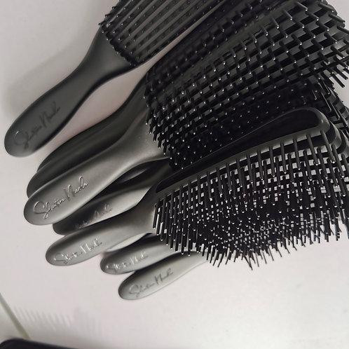 Black Braidie Brush by Shintara Nicole