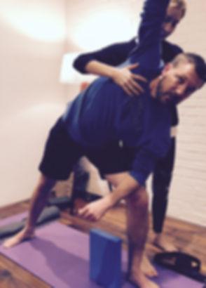 yoga_pose_02.jpg