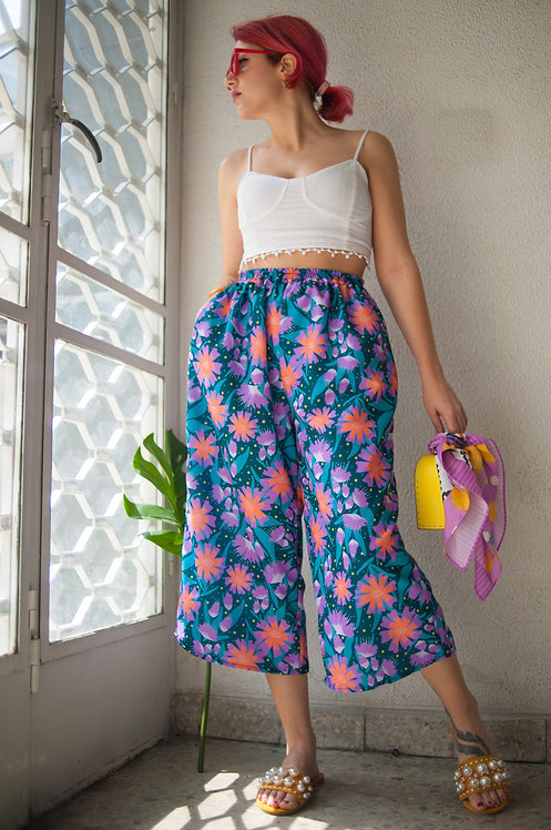 """Floralicious"" Cropped culotte pants"