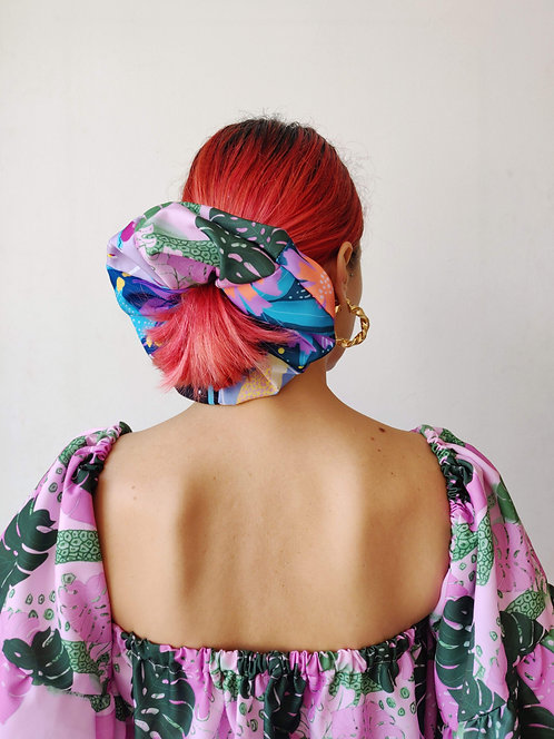 Oversized scrunchies in mix prints