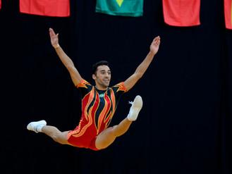 Ao som de Don't Stop me Now Lucas Santiago honra o nome do Brasil