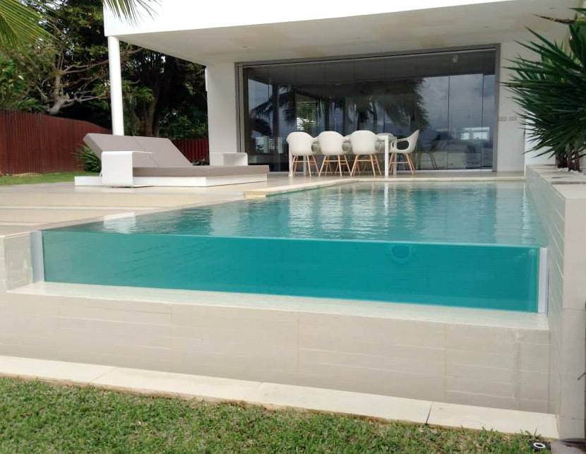 ALL GLASS  paroi de piscine