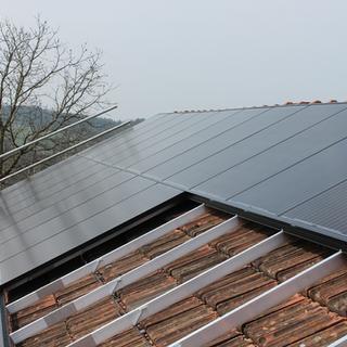 Schuler Gebäudehüllen AG, Photovoltaik, Friesencham