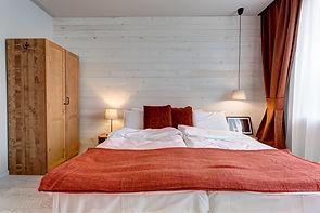 Beautiful en-suite bedrooms