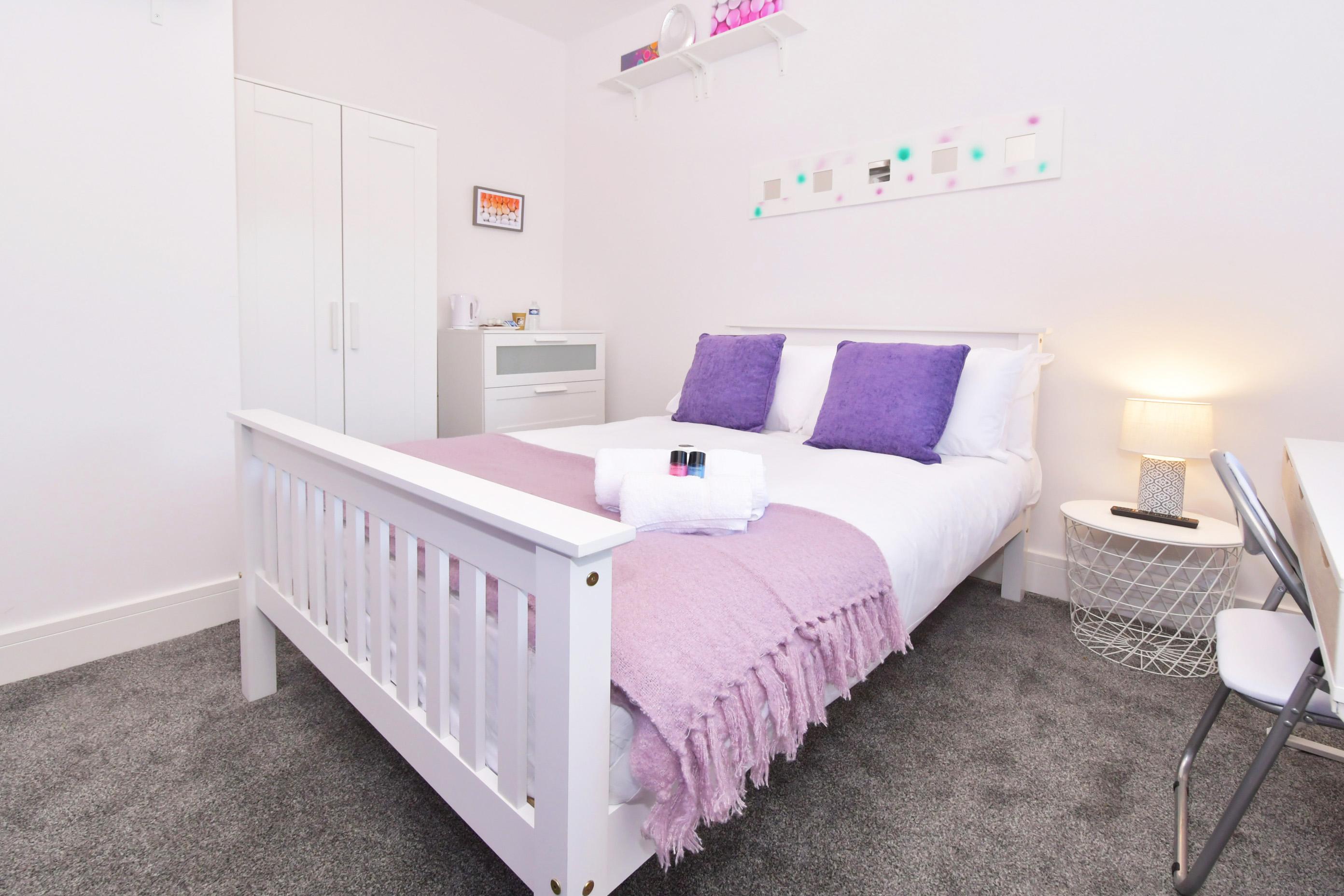 Room 5 (6)
