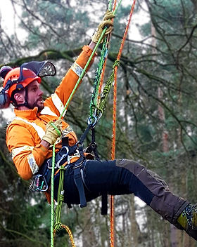 200210-two-rope-climber2.jpg