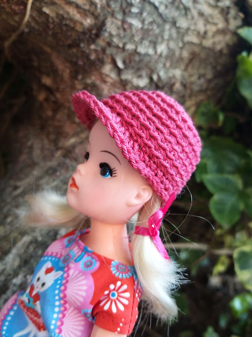 Crochet pattern for a Sindy doll peaked cap