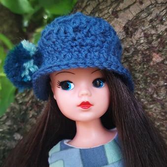 Opal in her new hat 😊🧶 #sindydoll #vin