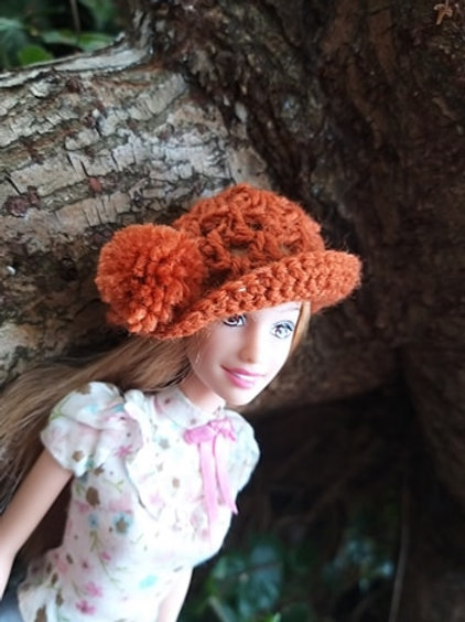 Crochet Pattern for a Barbie Closhe hat with Pompom