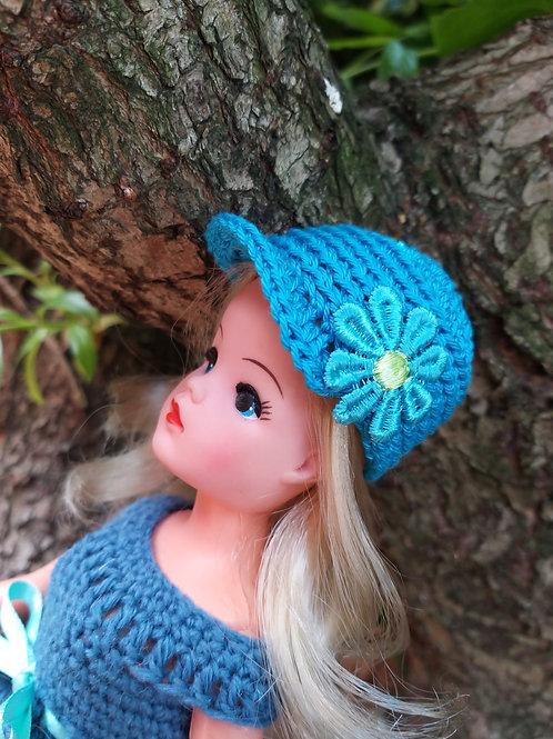 Sindy peak hat with flower detail