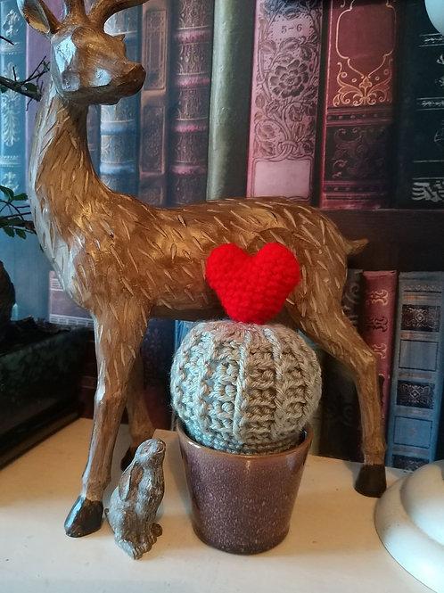 Crochet valentines cactus pattern