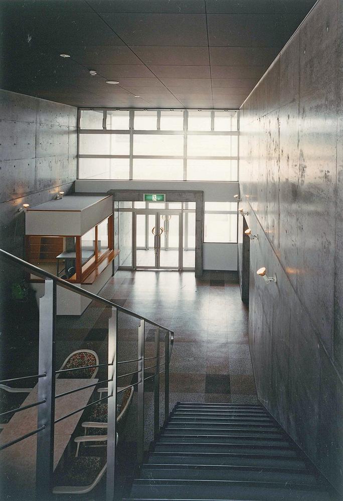 エントランスホール階段