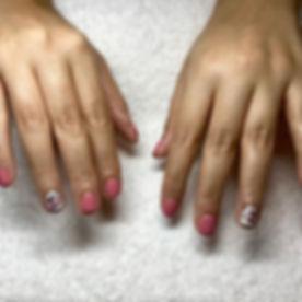 Short nails can still be pretty💐#shortn