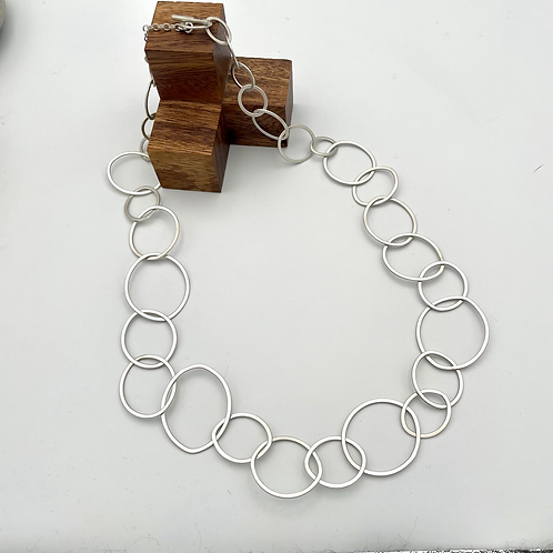 """""""Links"""" Silver Chain Necklace."""