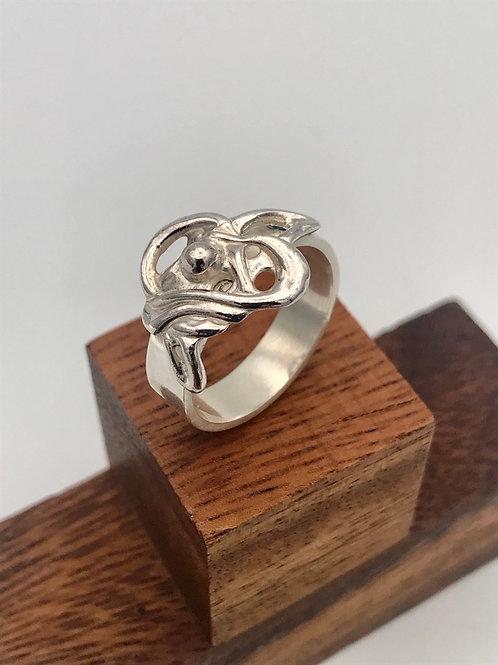 """""""Swirl"""" Silver Ring."""