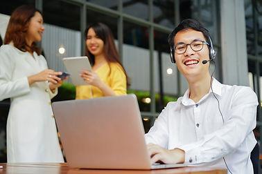 close-up-asian-call-center-man-work-with