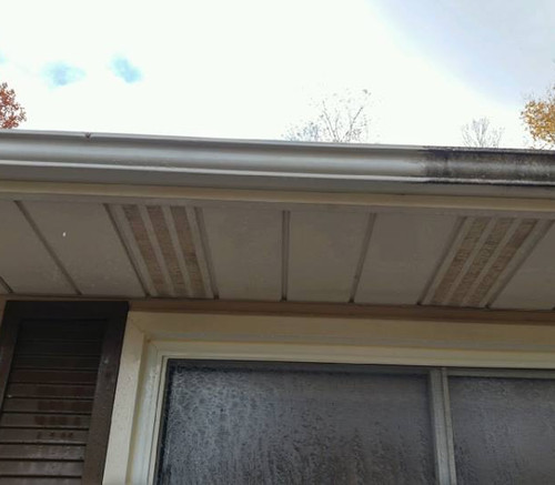 washing-eaves-troughs-difference.jpg