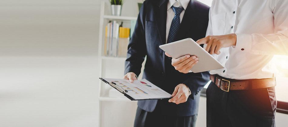 job-training-new-manager-boss-standing-t