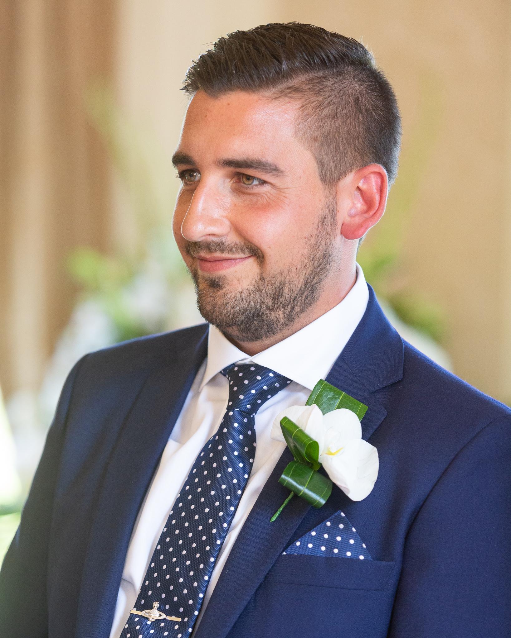 Groom_First_look_natural_wedding_photography_Rachel_Thornhill_Photographer