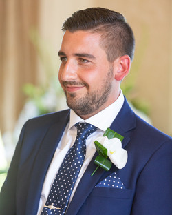 Groom_First_look_natural_wedding_photography_Rachel_Thornhill_Photographer