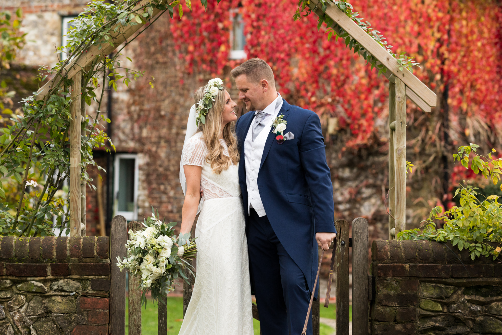 Surrey_Autumn_Wedding_Rachel_Thornhil_Ti