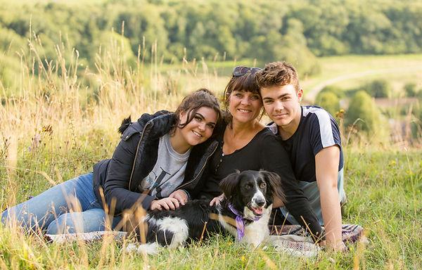Family_Portrait_Surrey_Hills.jpg