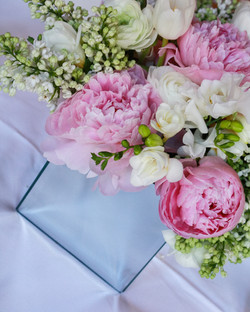 Spring_Wedding_Flower_Ideas_Ashdown_Park_Sussex_Natural_Wedding_Photographer_Rachel_Thornhill_Photog