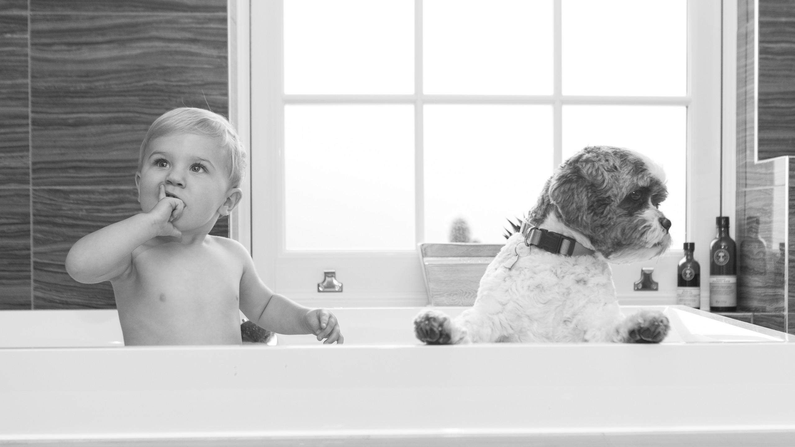 Toddler Lifestyle Photoshoot Bath BW