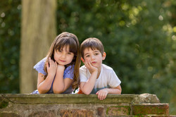 Rachel_Thornhill_Photography_Natural_Outdoor_Family_portrait_siblings_Nonsuch.jpg