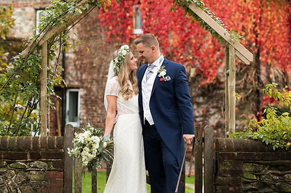Autumnal_barn_wedding_at_Tithe_Barn_hamp