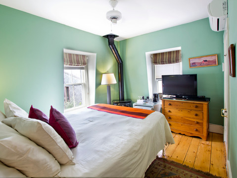 room5_2.jpg