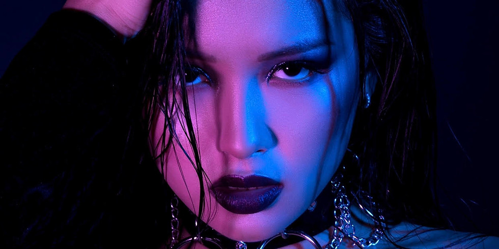 Dark Beauty / Miranda & Taylor