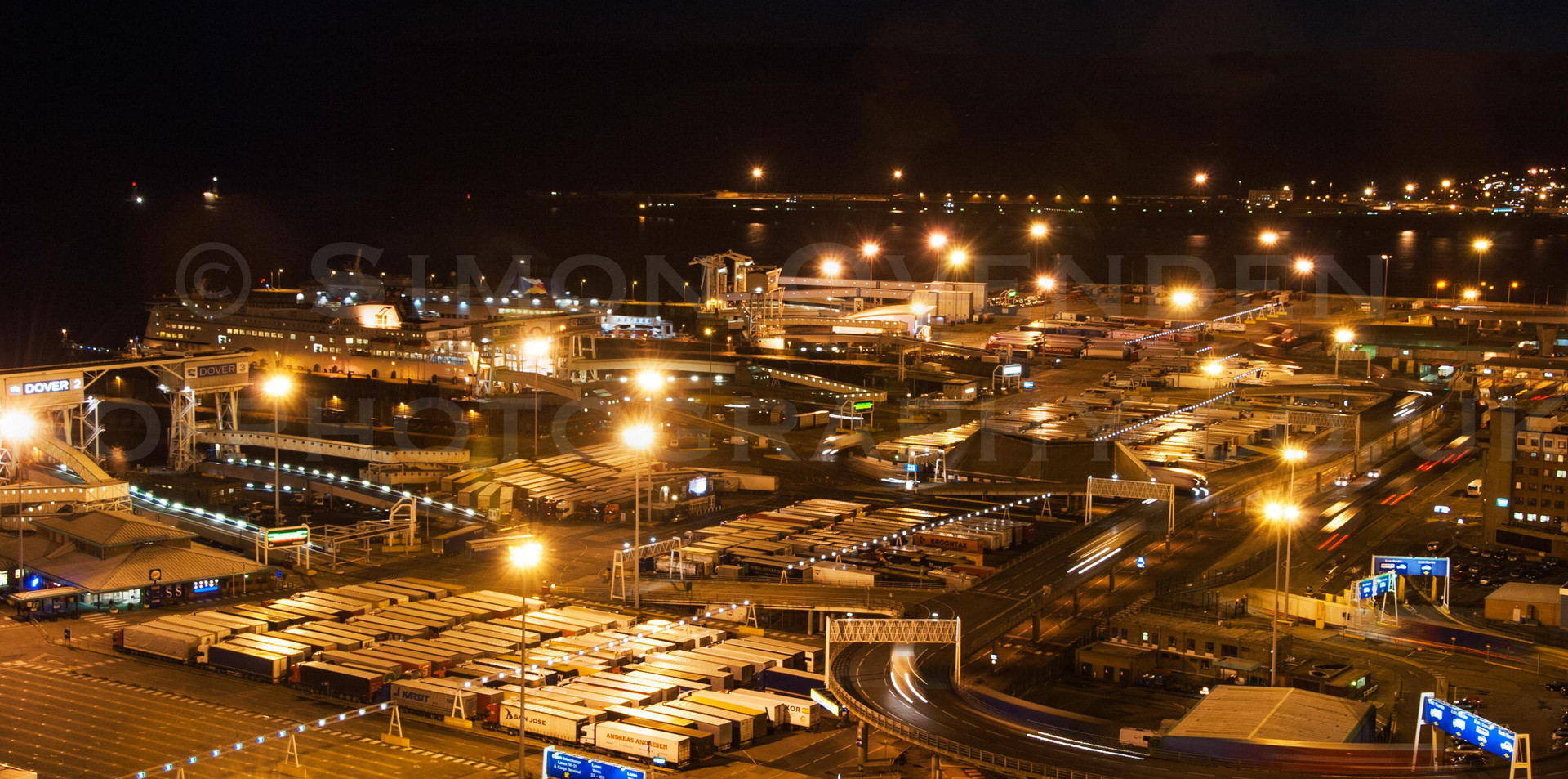 The Port that Never Sleeps 1