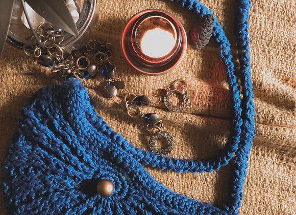 Seashell Sling purse