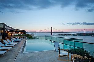 sud-lisboa-terrazza-pool.jpg