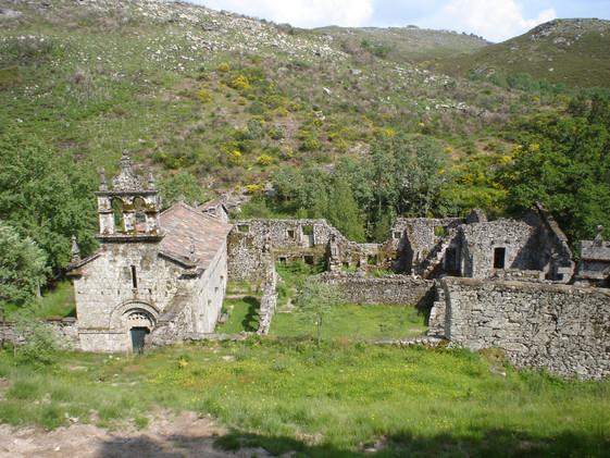 mosteiro_de_santa_maria_das_juniasjpg