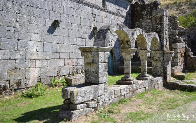 portugal-geres-mosteiro-santa-maria-das