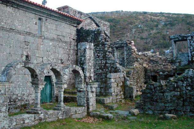 mosteiro-de-pitoes-das-junias-g-007-163