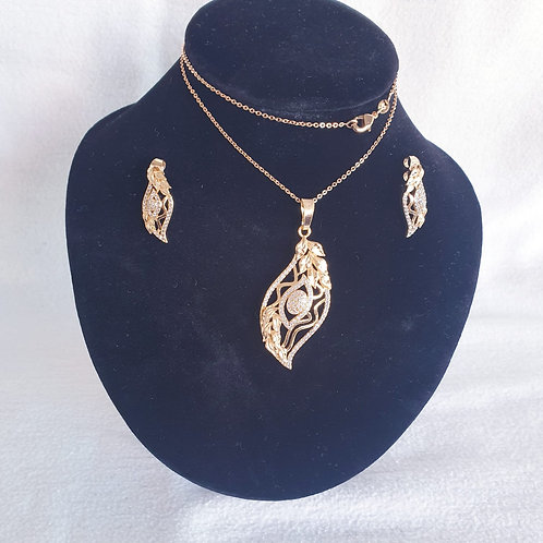 Set of leaf shape Gold Plated jewerl