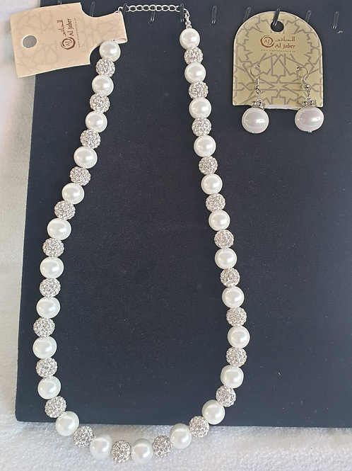 White Pearl Emerald Bridal set nacklace