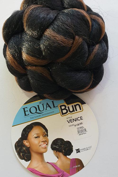 Equal synthetic hair Bun, Venice