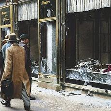Kristallnacht_in_Kleur_wikipedia-e154162