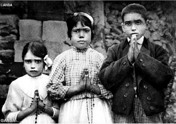 Novos Santos: os pastorzinhos de Fátima e os protomártires de Natal