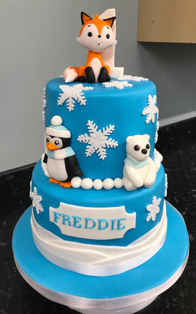 Snowy animal cake