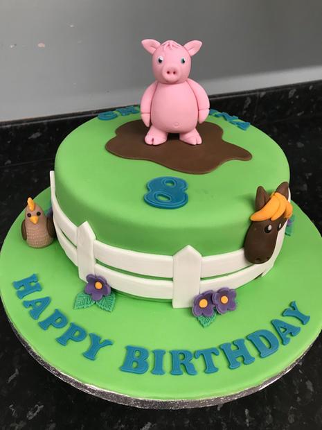 Muddy pig cake