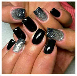 Nail Salon Designs in black by Haircutter in the meadow.png