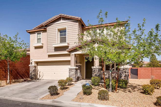 5588 Pinecroft Drive Las Vegas-large-002-5-Exterior Front-1500x1000-72dpi.jpg