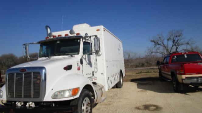 2009 Peterbilt 335 Wireline Truck
