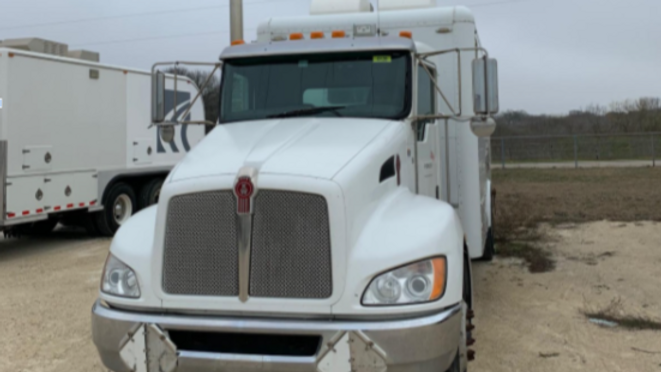 2013 Kenworth T3 Single Axle