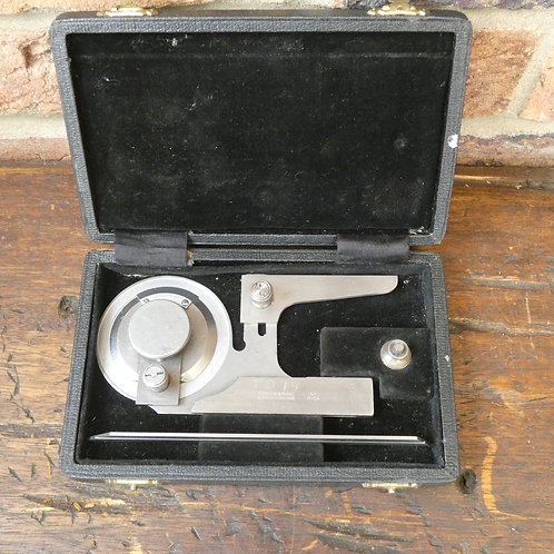 A Boxed M&W Vernier Bevel Protractor No.995